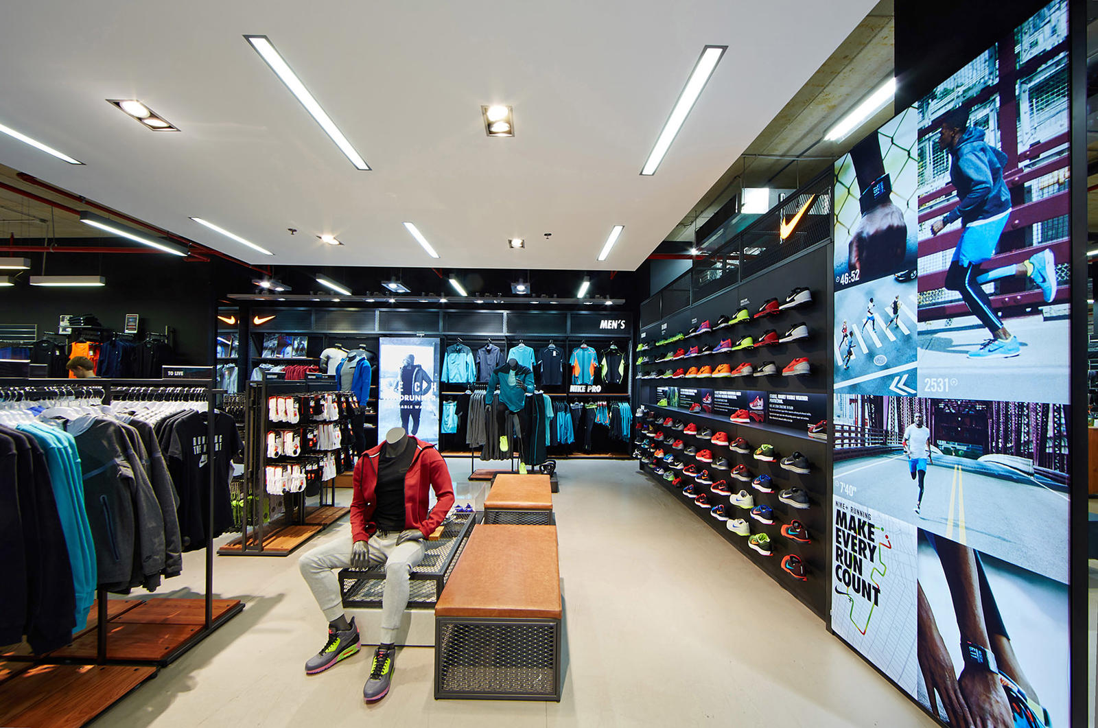 Interior retail nike stooff stooff interior projects for Interieur antwerpen